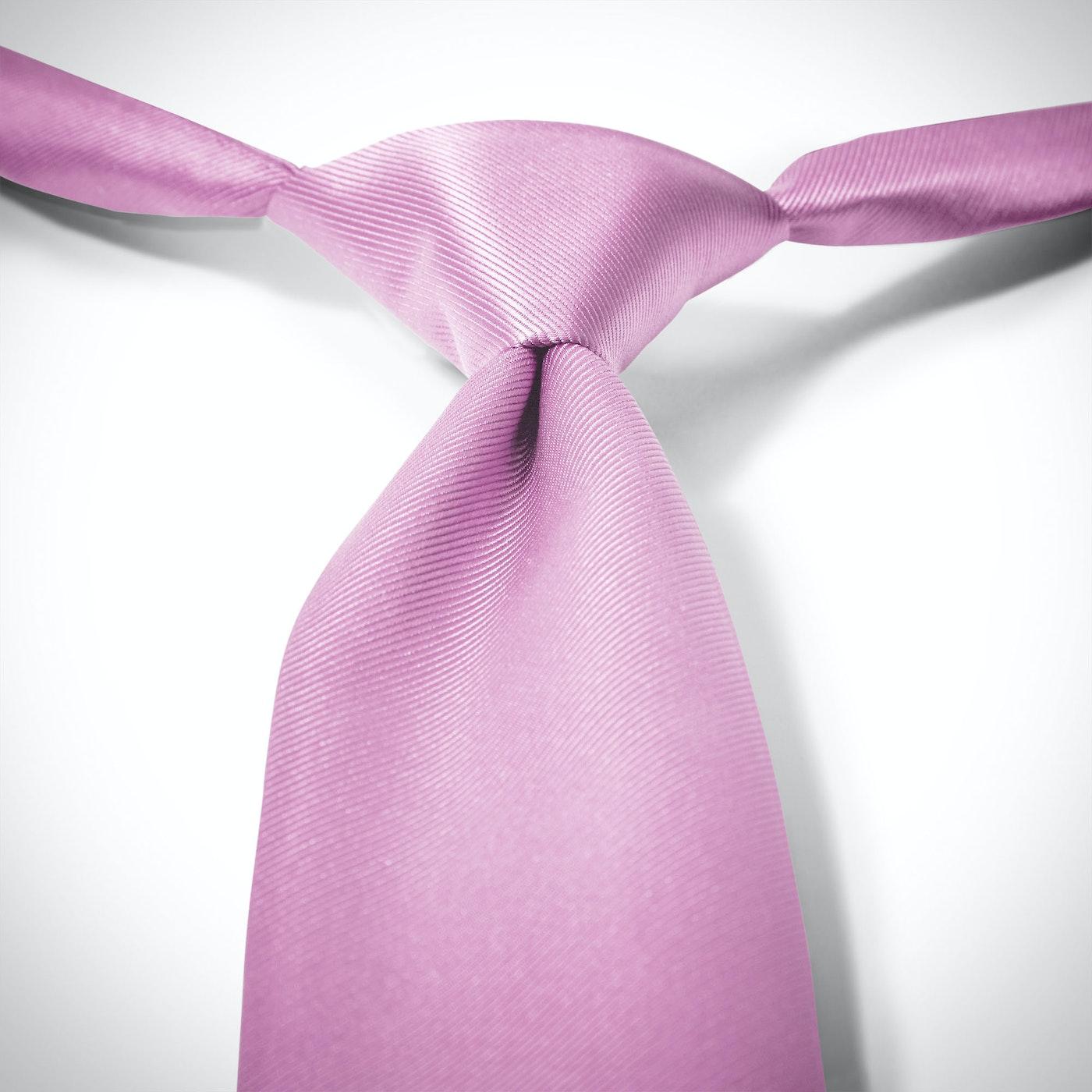 Lavender Pre-Tied Tie