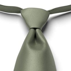 Clover Solid Pre-Tied Tie