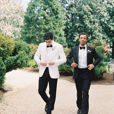 White Shawl Lapel Tuxedo - Image by Ashley Boyan Photography