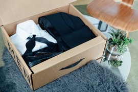 Menguin tux in a box