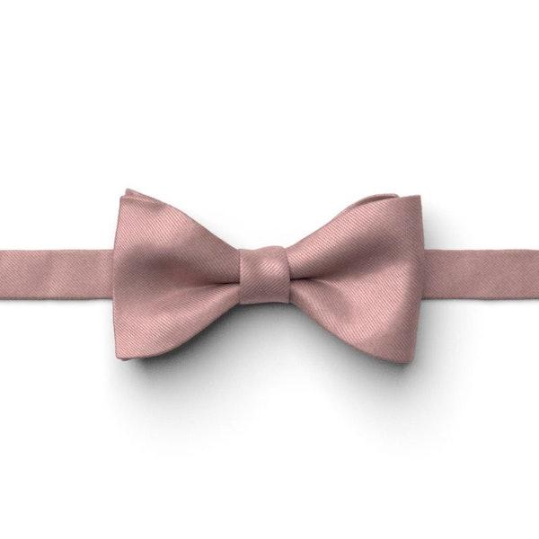 Cameo Pre-Tied Bow Tie