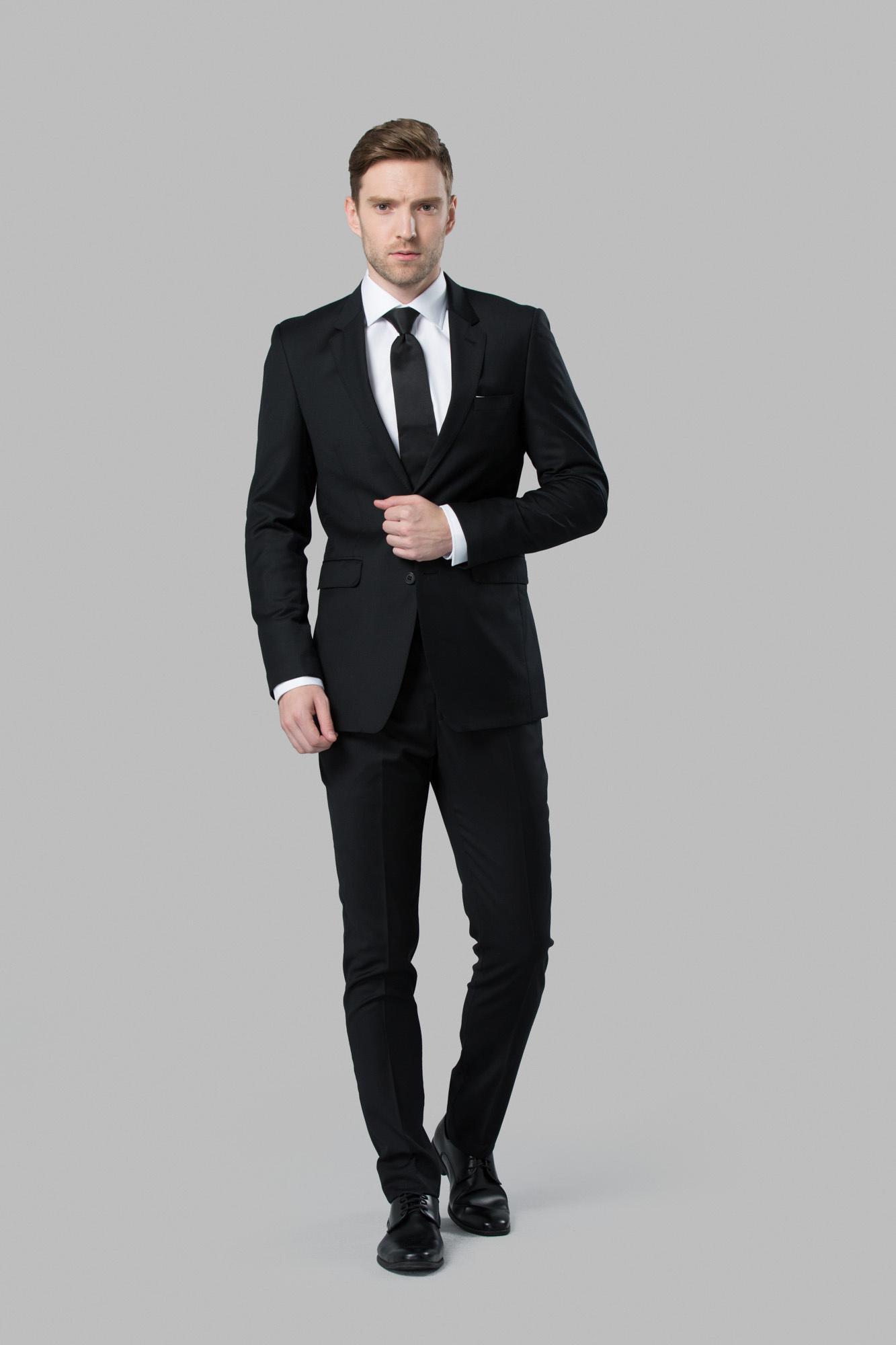 Custom Black Wedding Suit | Michael Kors Suit Rental | Menguin