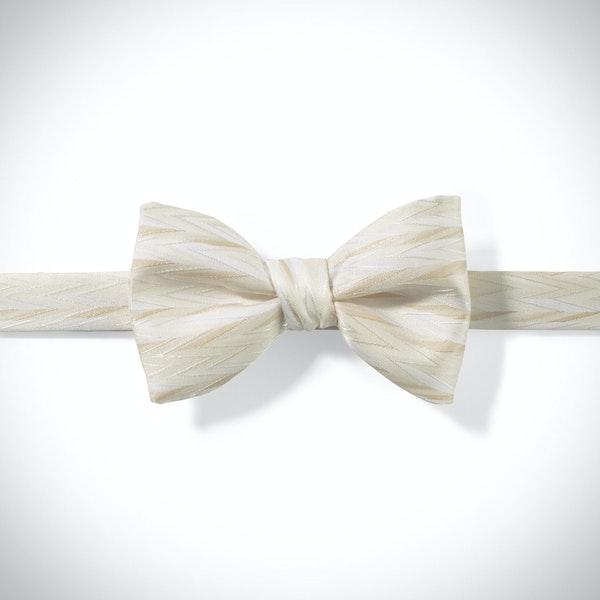 Ivory Zig Zag Pre-Tied Bow Tie